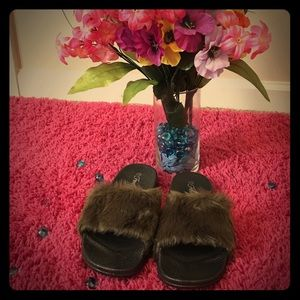 Shoes - Army Green Fluffy Sandals...